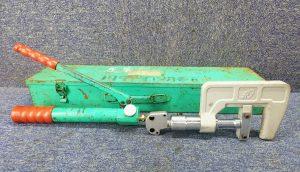 亀倉精機 パイプ断水機 SL-30 ケース付