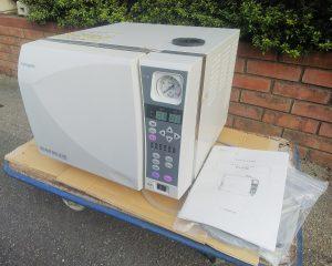 不二光学機械 HI AUTOCLAVE 小型包装品高圧蒸気滅菌器